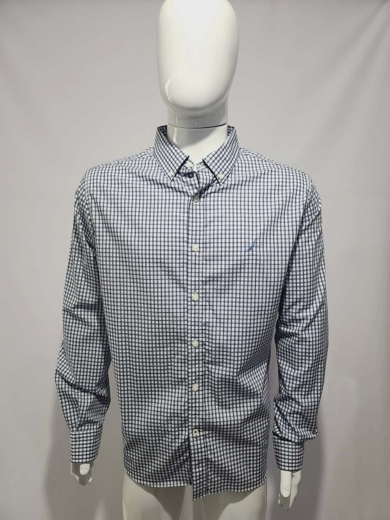 Camisa de vesitr manga larga Super Premium de Caballero Talla XL Semi nuevo