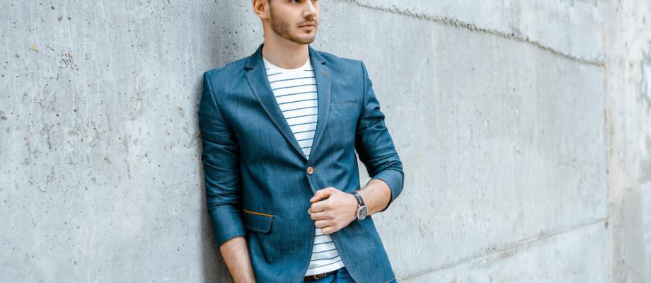 Combinación de colores en ropa casual de hombre